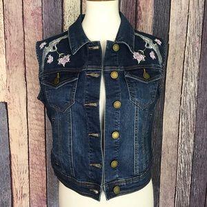 New Romeo + Juliet Floral Denim Jean Vest Stretch